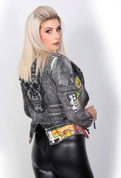 Jeansjacke, Damen Jeansjacke, Totenkopfjacke, Totenkopf, Skull, Jeansjacke grau, Patches, Cloudz 7, Bikerjacke, pop art jacke, Motorradjacke Damen